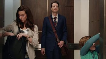 Zaxby's Kickin' Chicken Sandwich Meal TV Spot, 'Elevator'