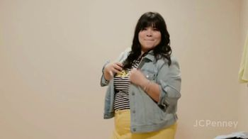 JCPenney TV Spot, 'Changing Room' - Thumbnail 6