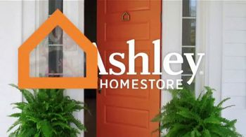 Ashley HomeStore Best of the Best Mattress Sale TV Spot, 'Ends Monday: Delivery' - Thumbnail 1