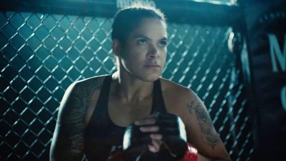 Modelo TV Commercial, 'El esp??ritu luchador de Amanda Nunes' canci??n de Ennio Morricone