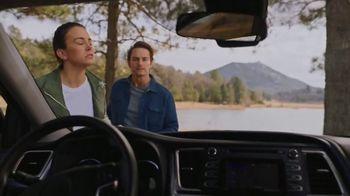 Safelite Auto Glass TV Spot, 'Camping Trip Windshield Chip' - Thumbnail 3