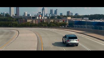 2020 Ford Explorer TV Spot, 'Leading Lady: Born to Roll' Featuring Nicole Ari Parker, Song by Alex Yoma [T2] - Thumbnail 3