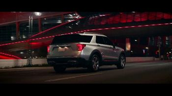 2020 Ford Explorer TV Spot, 'Leading Lady: Born to Roll' Featuring Nicole Ari Parker, Song by Alex Yoma [T2] - Thumbnail 6