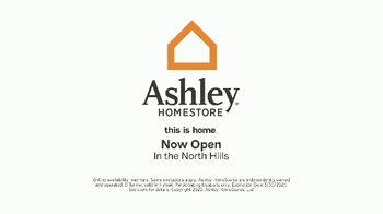 Ashley HomeStore Warehouse Blowout Sale TV Spot, 'Up to 75 Percent Off' - Thumbnail 5
