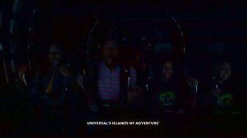 Universal Orlando Resort TV Spot, 'Let Yourself Woah: Family Meeting' Featuring Kenan Thompson - Thumbnail 7