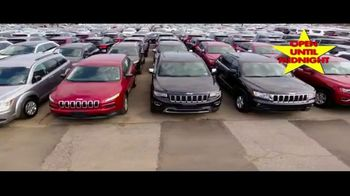 Major World TV Spot, 'Over 3,000 Cars' - Thumbnail 6