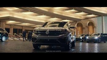 Volkswagen Atlas Cross Sport TV Spot, 'The Accountant Part II' Feat. Paul Giamatti, Kieran Culkin [T1] - Thumbnail 6