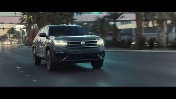 Volkswagen Atlas Cross Sport TV Spot, 'The Accountant Part II' Feat. Paul Giamatti, Kieran Culkin [T1] - Thumbnail 8