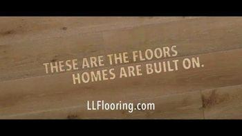 Lumber Liquidators TV Spot, 'Bellawood Distressed Oak Floor' Song by Electric Banana - Thumbnail 5