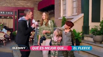 Old Navy TV Spot, '¿Qué es mejor que fleece?: 40 por ciento' con Neil Patrick Harris [Spanish] - Thumbnail 4