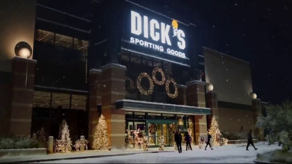 Dicks Sporting Goods Commercial Christmas 2020 Dick's Sporting Goods TV Commercial, 'Holiday Deals: Outerwear and