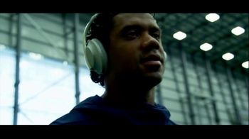Bose TV Spot, 'Headphones On, Head Up' Featuring Russell Wilson - Thumbnail 7
