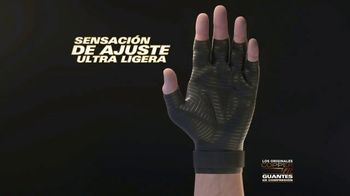 Copper Fit Compression Gloves TV Spot, 'Cuando te duelen las manos' [Spanish] - Thumbnail 3