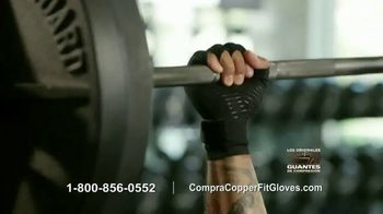 Copper Fit Compression Gloves TV Spot, 'Cuando te duelen las manos' [Spanish] - Thumbnail 8