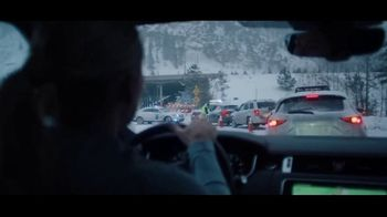 Land Rover TV Spot, 'Play Harder' Featuring Mikaela Shiffrin [T1] - Thumbnail 4