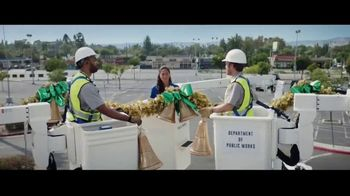Best Buy TV Spot, 'Holidays: That One Special Gift: Save $400' - Thumbnail 4