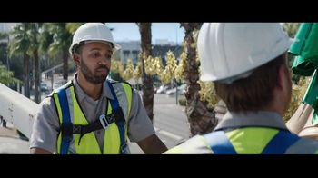 Best Buy TV Spot, 'Holidays: That One Special Gift: Save $400' - Thumbnail 8