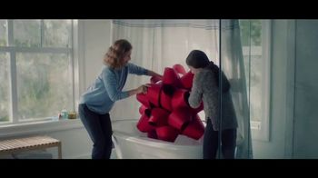 Lexus December To Remember Sales Event TV Spot, 'The Bow Shuffle' [T1] - Thumbnail 1