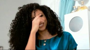 CHI Aloe Vera With Agave Nectar TV Spot, 'Nourishes' Featuring Cheslie Kryst - Thumbnail 5