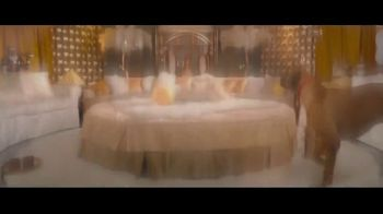Wells Fargo Home Mortgage TV Spot, 'Lulu and Lobo Need a Space Just for Them' - Thumbnail 4
