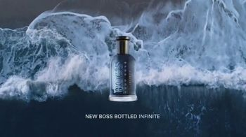 BOSS Bottled Infinite TV Spot, 'Reconnect With Your Inner Self' Featuring Chris Hemsworth, Song by Foreign Air - Thumbnail 10