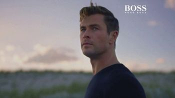 BOSS Bottled Infinite TV Spot, 'Reconnect With Your Inner Self' Featuring Chris Hemsworth, Song by Foreign Air
