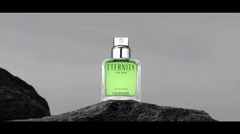 Calvin Klein Eternity TV Spot, 'Nueva intensidad' con Jake Gyllenhaal [Spanish] - Thumbnail 5