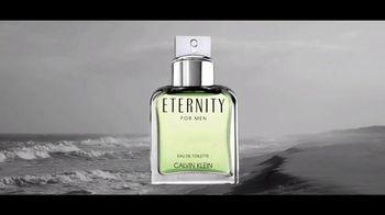Calvin Klein Eternity TV Spot, 'Nueva intensidad' con Jake Gyllenhaal [Spanish] - Thumbnail 2