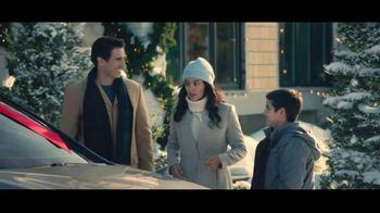 Lexus December to Remember Sales Event TV Spot, 'The Bow Cover-Up' [T1] - Thumbnail 7