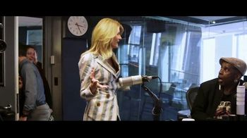 SiriusXM Satellite Radio TV Spot, 'Dial Up the Moment' Song by Summer Kennedy - Thumbnail 5
