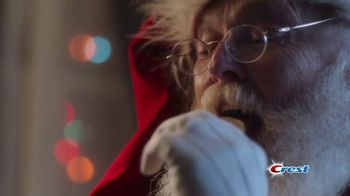 Crest TV Spot, 'Holidays: Bertha's Debut Commercial' Song by Geoffrey Gascoyne & James Pierpont - Thumbnail 4
