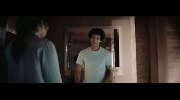 Gillette Labs Heated Razor TV Spot, 'Hot Towel Shave' - Thumbnail 9