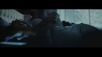 Gillette Labs Heated Razor TV Spot, 'Hot Towel Shave' - Thumbnail 3