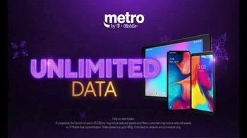 Metro by T-Mobile TV Spot, 'Holidays: Best Deal in Wireless: Tablet' - Thumbnail 7