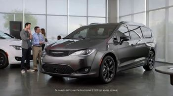 Chrysler Black Friday Sales Event TV Spot, 'Tough Decision: Talking Van' [Spanish] [T2] - 12 commercial airings