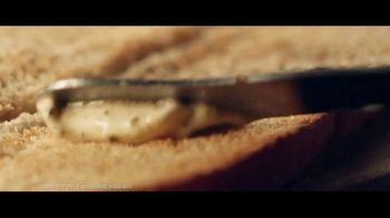 Subway Ultimate Cheesy Garlic Bread Collection TV Spot, 'Tis the Season' - Thumbnail 4