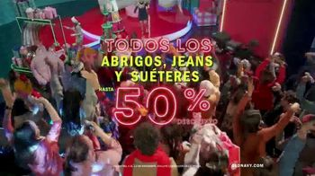 Old Navy TV Spot, 'Old Navy Tonight: regalos para ustedes!: abrigos, jeans y suéteres' [Spanish] - Thumbnail 7