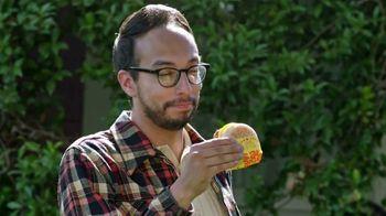McDonald's Sausage McMuffin TV Spot, 'Regar el pasto' [Spanish]