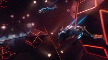 Oculus Quest TV Spot, 'Defy Reality: Echo Arena' Featuring Eric Wareheim - Thumbnail 2