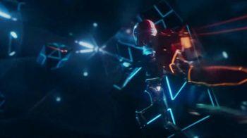 Oculus Quest TV Spot, 'Defy Reality: Echo Arena' Featuring Eric Wareheim - Thumbnail 4