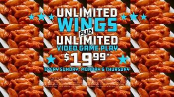 Dave and Buster's Unlimited Games and Wings TV Spot, 'Every Sunday, Monday and Thursday' - Thumbnail 7