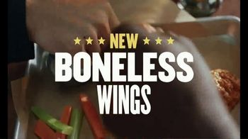 Buffalo Wild Wings Boneless Wings TV Spot, 'Randman' - Thumbnail 10