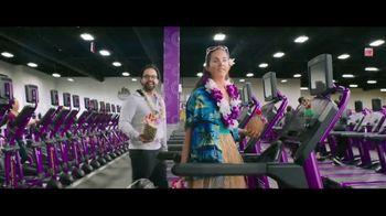 Planet Fitness PF Black Card TV Spot, 'All the Perks: November' - Thumbnail 3