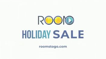 Rooms to Go Holiday Sale TV Spot, 'Bedroom Set: Three Finishes' - Thumbnail 4