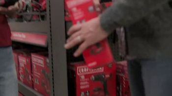 Lowe's Black Friday Deals TV Spot, 'Doing the Holidays Right' - Thumbnail 4