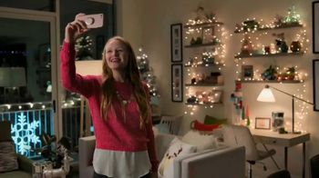 Lowe's Black Friday Deals TV Spot, 'Doing the Holidays Right' - Thumbnail 9