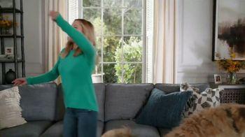 La-Z-Boy Veterans Day Sale TV Spot, 'Shocked' Featuring Kristen Bell - Thumbnail 2