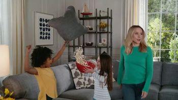 La-Z-Boy Veterans Day Sale TV Spot, 'Shocked' Featuring Kristen Bell - Thumbnail 3