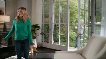 La-Z-Boy Veterans Day Sale TV Spot, 'Shocked' Featuring Kristen Bell - Thumbnail 4