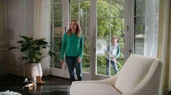 La-Z-Boy Veterans Day Sale TV Spot, 'Shocked' Featuring Kristen Bell - Thumbnail 5